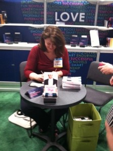 Gwen signing